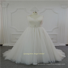 V Neck Sleeveless Tulle Wedding Dress with Belt Decoration